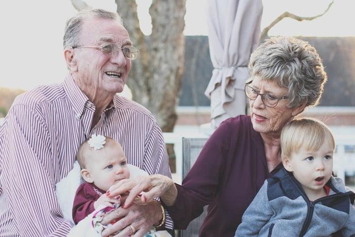 Resultado de imagen para imagenes de personas mayores
